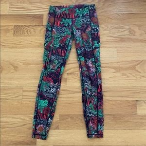 Lululemon floral tight! 27' inseam. Size 4
